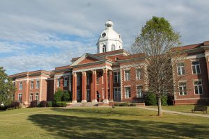 Putnam County Courthouse. Putnam County BUI lawyers defend boating under the influence charges on Lake Oconee in the Putnam County Courthouse